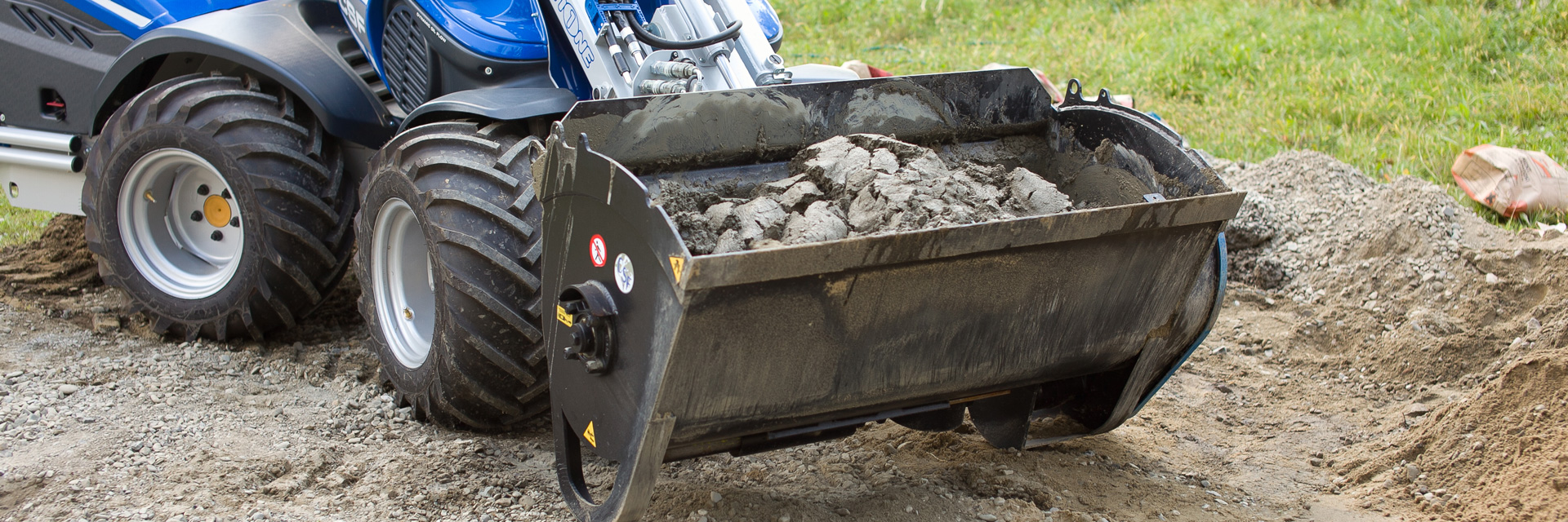 Multione-concrete-mixing-bucket for mini loaders